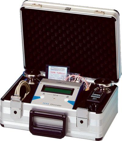 TOM 374 im Koffer mit Elektroden